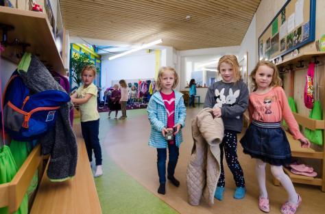 Zettling-22 Kindergarten - red - Arch Kos - Foto (c) Philipp Klein