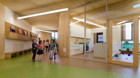 Zettling-30 Kindergarten - red - Arch Kos - Foto (c) Philipp Klein