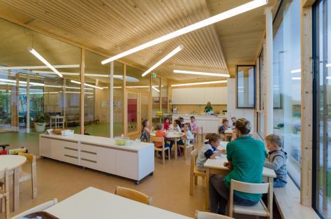 Zettling-32 Kindergarten - red - Arch Kos - Foto (c) Philipp Klein