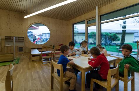 Zettling-33 Kindergarten - red - Arch Kos - Foto (c) Philipp Klein