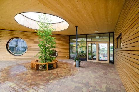 Zettling-38 Kindergarten - red - Arch Kos - Foto (c) Philipp Klein