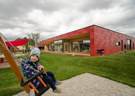 Zettling-4 Kindergarten - red - Arch Kos - Foto (c) Philipp Klein